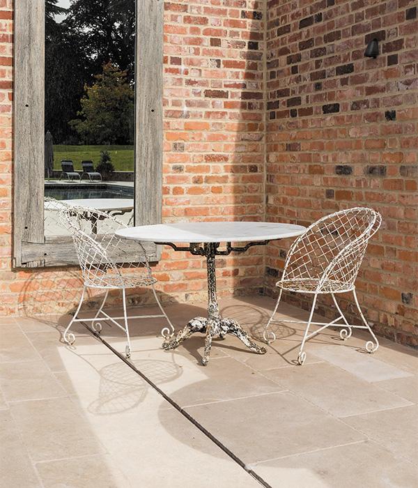 Neranjo Limestone Tumbled & Etched 600×700