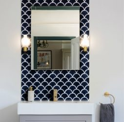 Atlantis Scallop Navy Porcelain