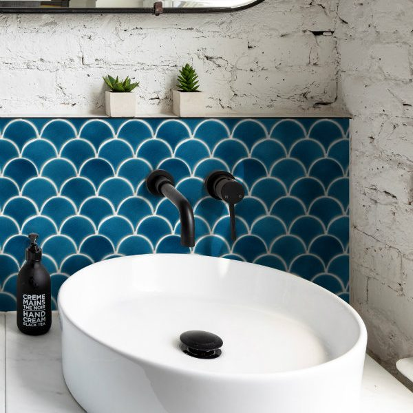 Atlantis Scallop Ultramarine Porcelain