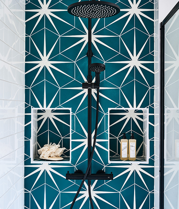 Lily Pad Porcelain Peacock – Ripples Bathrooms