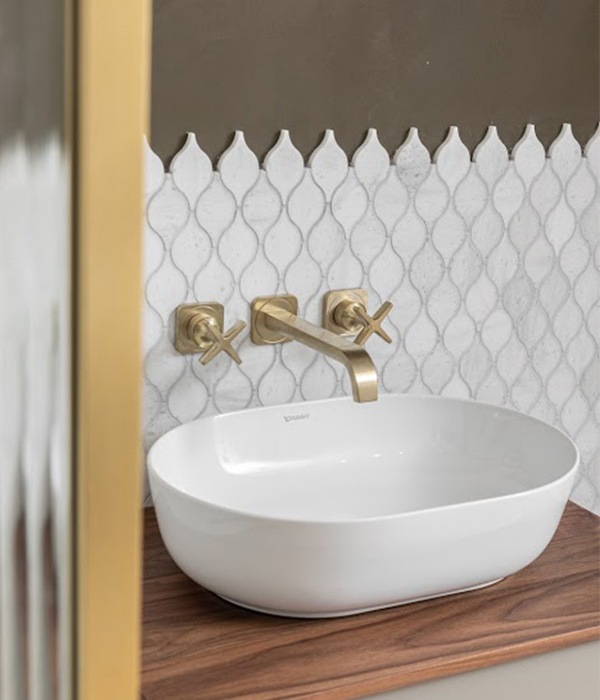 Long Island Teardrop – North Arch Bathrooms London