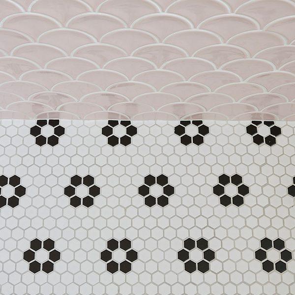 Mono Hex Porcelain Daisy