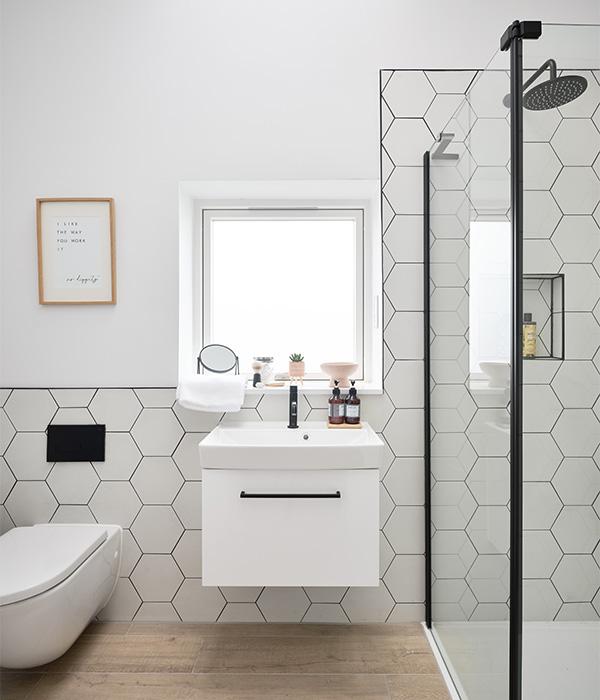 Signature Hexagon Porcelain Pearl White 1