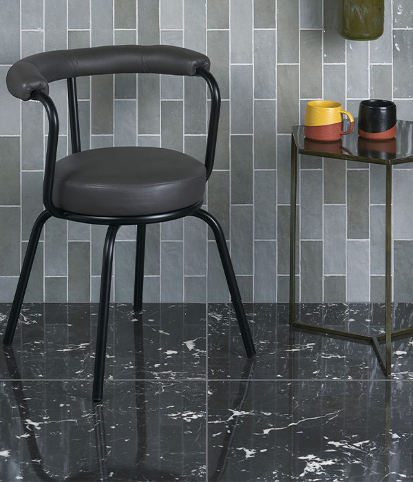 Manhattan Porcelain Marquina paired with Oasis Grey